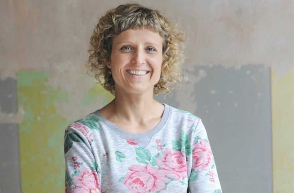 Online profitabel - Wie du deinen eigenen Weg auch ohne Unterstützung deiner Eltern gehen kannst - Moneymindset Interview mit Sandra Holze