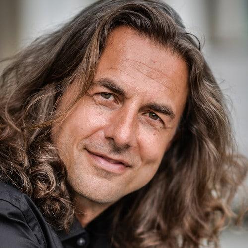 Vom abgebrochenen Medizinstudium zum achtsamen Businesspunk und Freigeist - Moneymindset Interview mit Veit Lindau